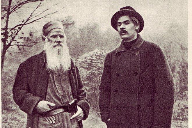 El joven Maxim Gorki con Lev Tolstói, 1900